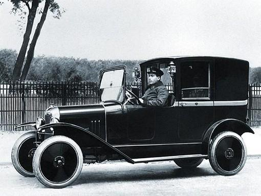 10 HP Type A Coupé de Ville Compagnie des Taxis Citroën 1921 photo officielle